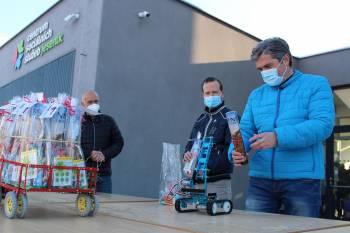 Průmyslovka v Jeseníku nadělila seniorům mikulášskou nadílku s pomocí robotů a dronů